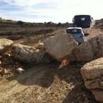 Door het leger geblokkeerde toegang tot een Palestijnse boerderij