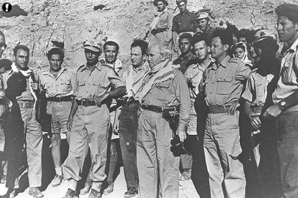 Ben-Goerion en officieren tijdens de oorlog van 1948