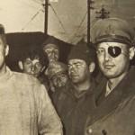 Dayan met de Unit 101 die de Qibya-operatie (1953) uitvoerden. Links Ariel Sharon