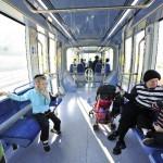 Jerusalem Light Rail in Augustus 2011; weinig passagiers.