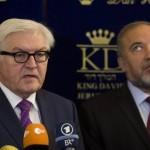 Steinmeier met Lieberman: het thema 'joodse staat' hangt nog in de lucht (foto: dpa/faz)
