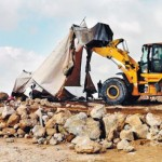 Bulldozer aan het werk in Susya (foto Rabbis for Human Rights)
