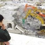 Huisverwoesting: Palestijnse jongen krijgt aanschouwelijk onderwijs in staatsburgerschap.