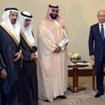 Poetin met de Saoedische minister van BZ, zondag in Sotschi na de formule 1 wedstrijd