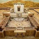 Eerste tempel: veel maquettes, geen aanwijzingen. Tweede tempel: Ja, maar waar precies?