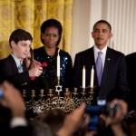 Een ervaren Obama: Hanukkah in 2010